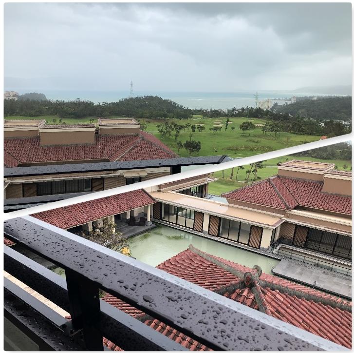 台風直撃で外出不可状態でもリッツカールトン沖縄は堪能できたのか?プラチナ特典・夕食・朝食レビュー!